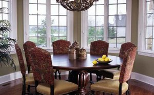 Как правильно выбрать обеденный стол?